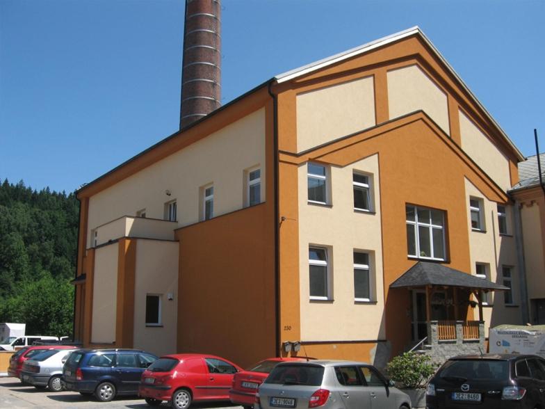 Rekonstrukce bývalé kotelny v areálu podniku PERLA v Ústí nad Orlicí na administrativně – skladovací a výrobní objekt firmy
